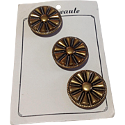 Vintage Set Of Three Nouveaute Buttons On Original Card