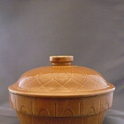 Vintage Watt Pottery Loop Pattern Casserole With Lid