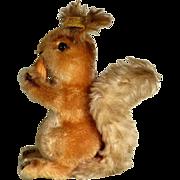 Steiff Squirrel with Nut Possy #2001/22 ca. 1970