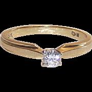 18 Kt Yellow Gold Diamond Ring  sz 5.75