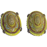 Chartreuse – Pistachio Green Molded Glass Clip Earrings