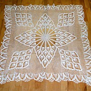 Hand Made Crocheted   Bridge Cloth / Luncheon cloth /  Tablecloth.  Exquisite!   Mint conditio