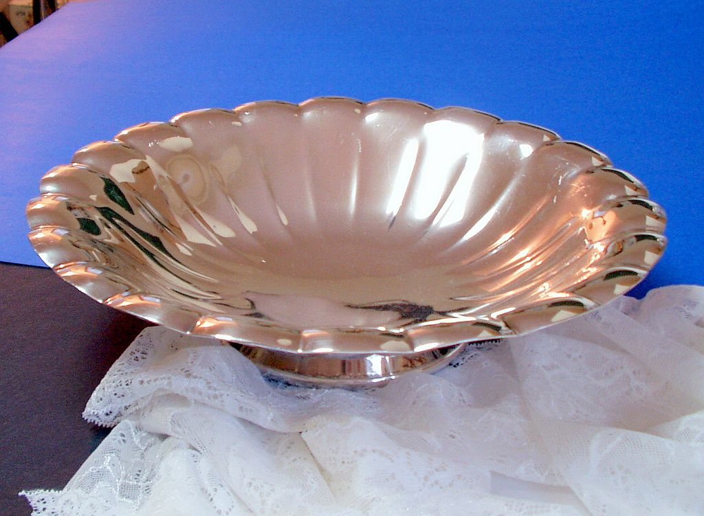 Reed and Barton Scalloped and Fluted Silver Bowl.