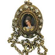 SALE Victorian Revival Open Locket CAMEO Necklace c.1940's