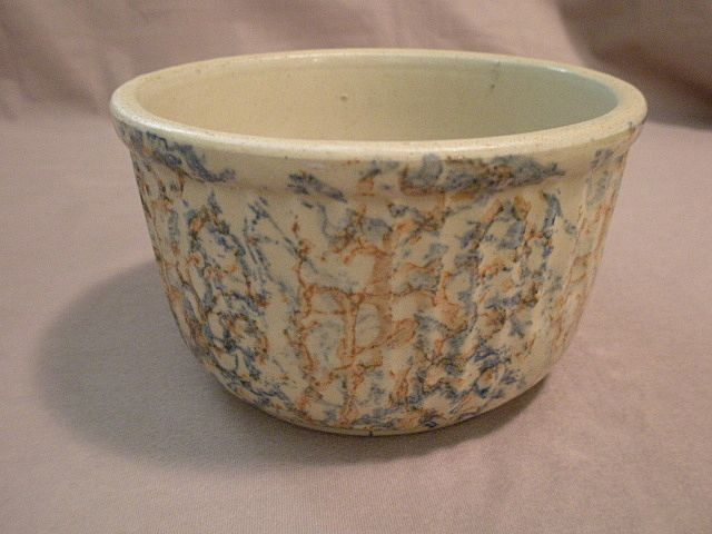 "7 Cup Red Wing Pottery ""Spatter Ware"" Bowl"