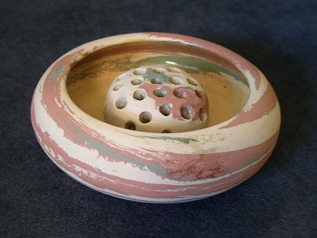"Silver Springs, Fla - ""Mission Swirl"" Pottery Bowl w/Flower Frog"