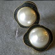 "SALE ""Celia Sebiri"" Vintage Faux Round Pearl w/Crushed Onyx Inlaid Border Clip Earri"