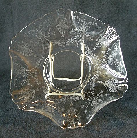 """Heisey Glass """"Orchid"""" Crimped Floral Bowl - Queen Ann Blank #1509"""