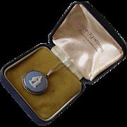 Vintage Boxed Wedgwood Sterling Jasperware Cameo Pendant
