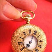 Ladies 18k Solid Gold Half Hunter Pendant Pocket Watch Waltham