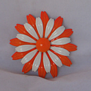 REDUCED Very Sixties Large Daisy Pin GORGEOUS!