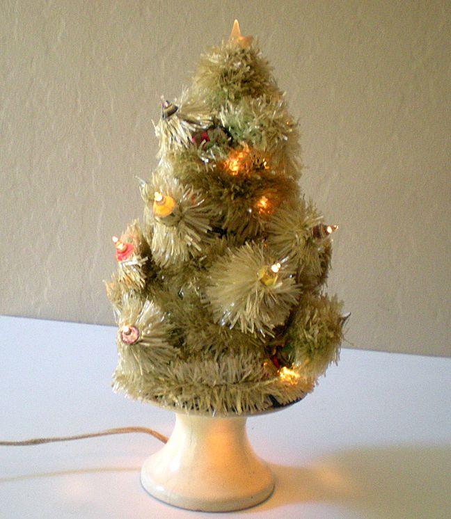 Table Top Lighted Christmas Tree: Rare Old Lighted Table Top Christmas Tree