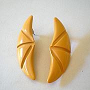 Vintage 1950's Plastic Earrings Go With Bakelite