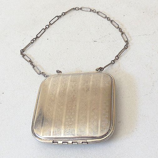 Art Deco Powder Rouge Compact Chain Handle