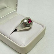 Beautiful Vintage Sterling Silver Ring With Red Sapphire Size 9.5