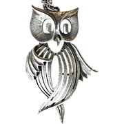 Vintage Silver Toned Owl and Chain