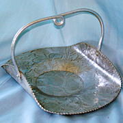 Hammered aluminum handled tray
