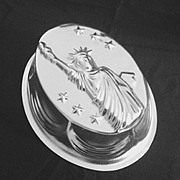 SALE PENDING Unusual Vintage Patriotic Aluminum 10 cup Food Mold with Statue of Liberty