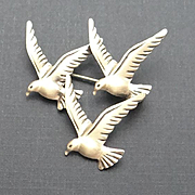 Sterling Silver Beau Beaucraft Three Seagull Bird Figural Pin