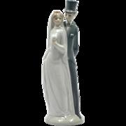 SOLD NAO Porcelain Bride and Groom Figurine Wedding Couple Lladro Spain