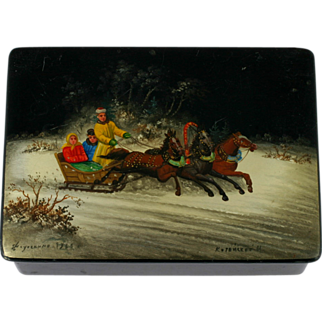 USSR Russian Fedoskino Lacquer Box Hand Painted Troika Vintage 1970s