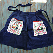 SALE Navy Blue with Penn Dutch Print Pockets Vintage Apron