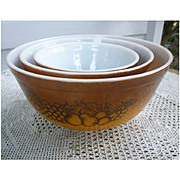 Pyrex Old Orchard Beaded Edge Nested Mixing Bowls 3 Piece Set