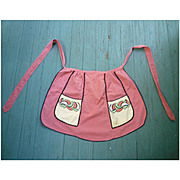 Arts & Crafts Embroidered Flowers on Pockets Apron
