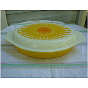 Daisy Sunflower Oval Divided Casserole with Lid 1 ½ Qt