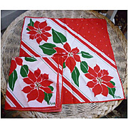 Set of 2 Vera Neumann Christmas Poinsettias Print Napkins