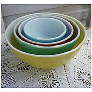 Very Nice Pyrex Primary Colors Nested Mixing Bowl Set