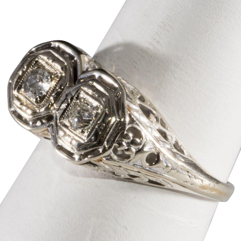 14K White Gold Filigree & Diamond Art Deco Ring