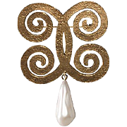 Chanel 1970s Faux-Pearl Dangle Brooch Pin
