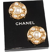 SALE PENDING CHANEL Large Faux Pearl Hammered Gold Plate Earrings 1980s