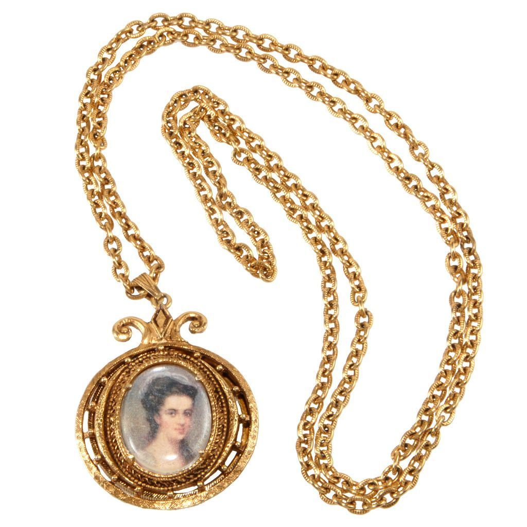 Victorian Revival 1960s Magnifying Necklace Like Florenza