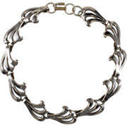 Monet Jewelers 1930s Silver-tone Collar Necklace