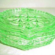 Deco British Green Glass Powder Box
