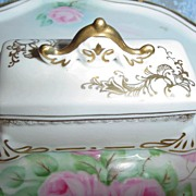 'Candrea'  Porcelain  Stamp Box