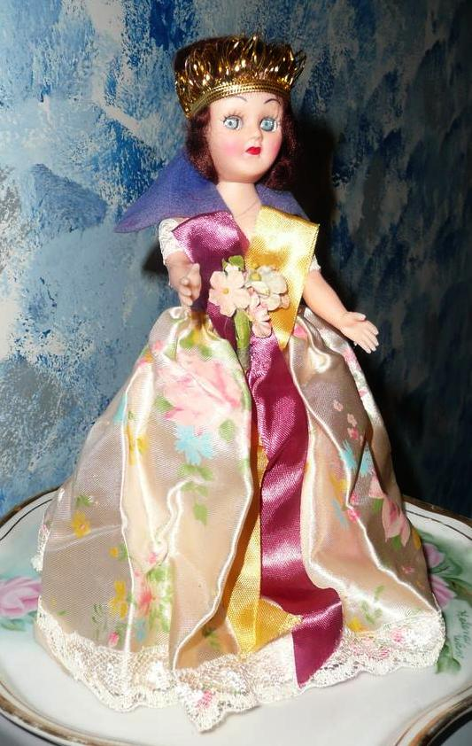 Vintage  ARCO Princess and The Pea  Cake Doll