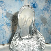 Viking  Art Glass Madonna Bust  with original Label