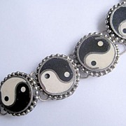 Vintage Genuine Yin Yang Onyx Panel Bracelet from India, 1960s