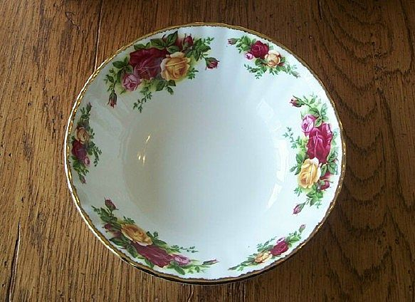 Royal Albert Old Country Roses Bowls