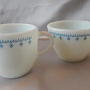 Pyrex Snowflake Garland Creamer and Sugar