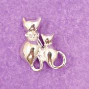 Polished Silver Tone Feline Cat Pin with Rhinestone Collar