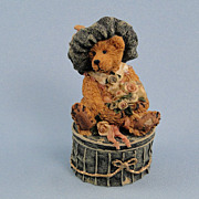 SALE Boyds Bearstone Victoria The Lady Trinket Box