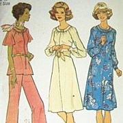 Vintage 1975 Sewing Pattern Simplicity 7148 - Dress or Top with Wide-legged Pants, Size 20 1/2