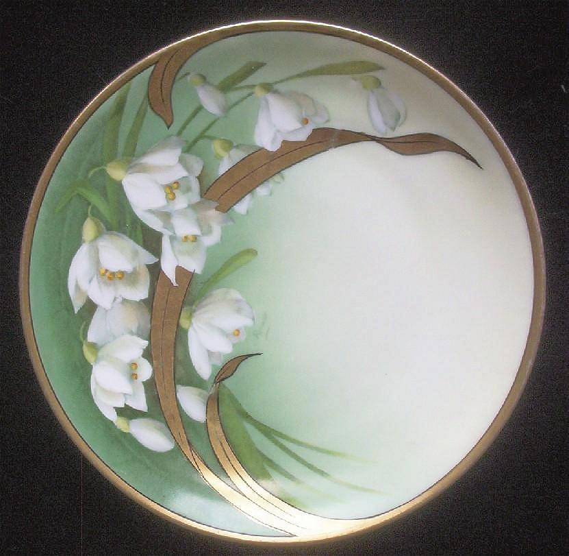 "Tirschenreuth (Bavarian) 8 3/4"" Display Plate, Beautiful Background Transfer of Gladiolas with Handpainted Floral Accents and Leaves, Heavy Gold, 1903-1927"