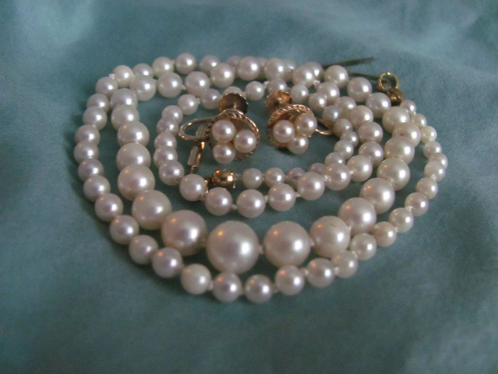 Vintage 14K Cultured Akoya  Graduated Pearl Necklace & 10K Earrings  with *CERTIFIED GEMOLOGIST'S APPRAISAL*