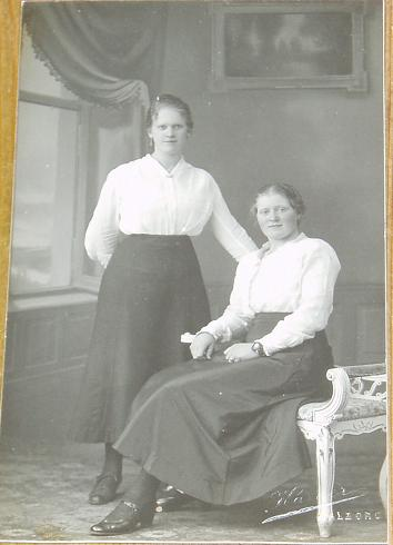 """""""Edwardian Sisters"""" signed Karner  (1910')"""
