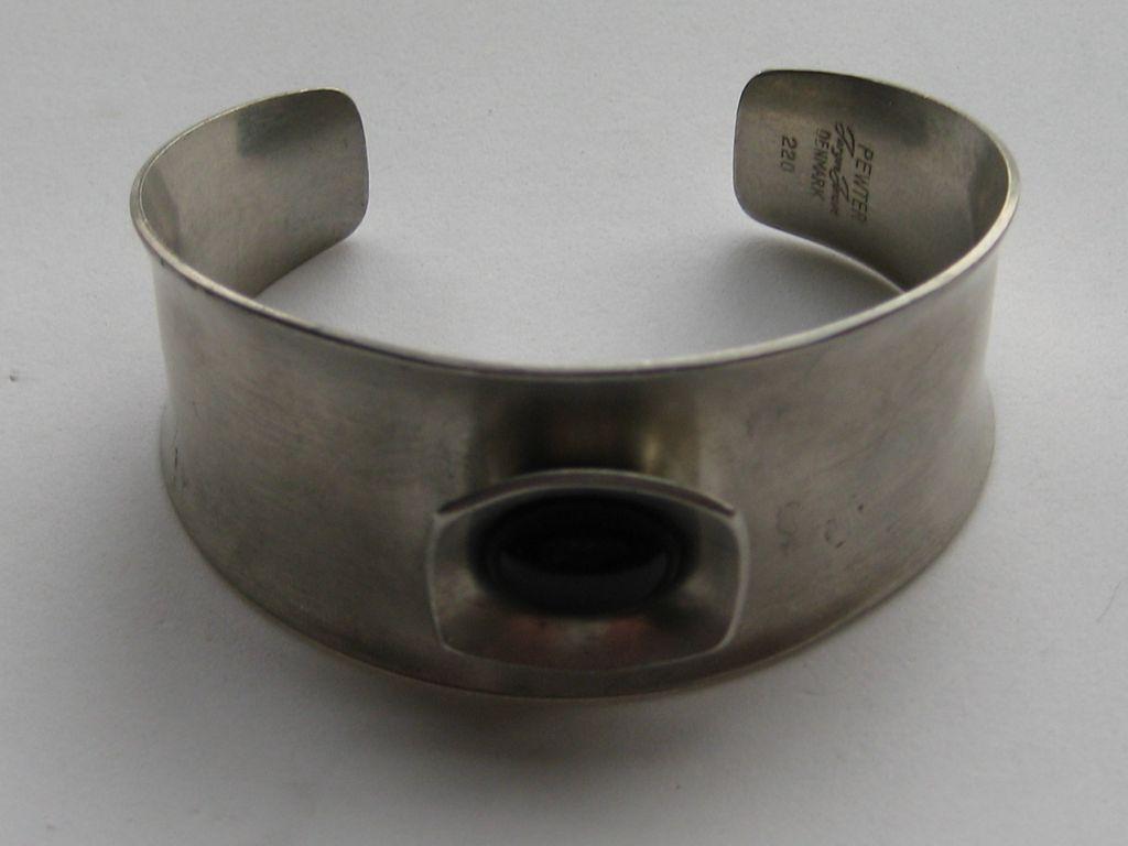 Vintage Modernist Denmark Jorgen Jensen Bracelet Pewter Black Glass Onyx
